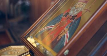 Икона с цельбоносными мощами в храме святителя Луки
