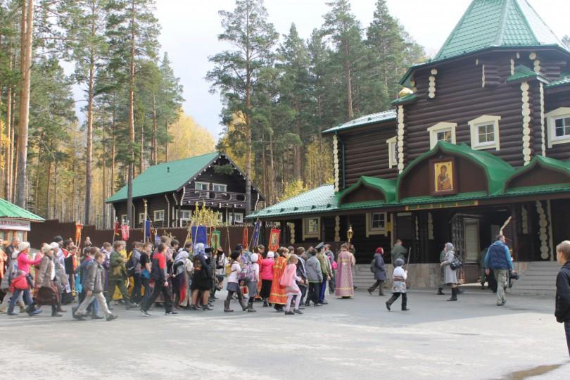 Общегородской Крестный ход, посвящённый началу учебного года в воскресных школах.
