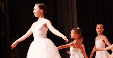 Джазово-хореографическая студия «Ла беллие», танец «Вальс Цветов»