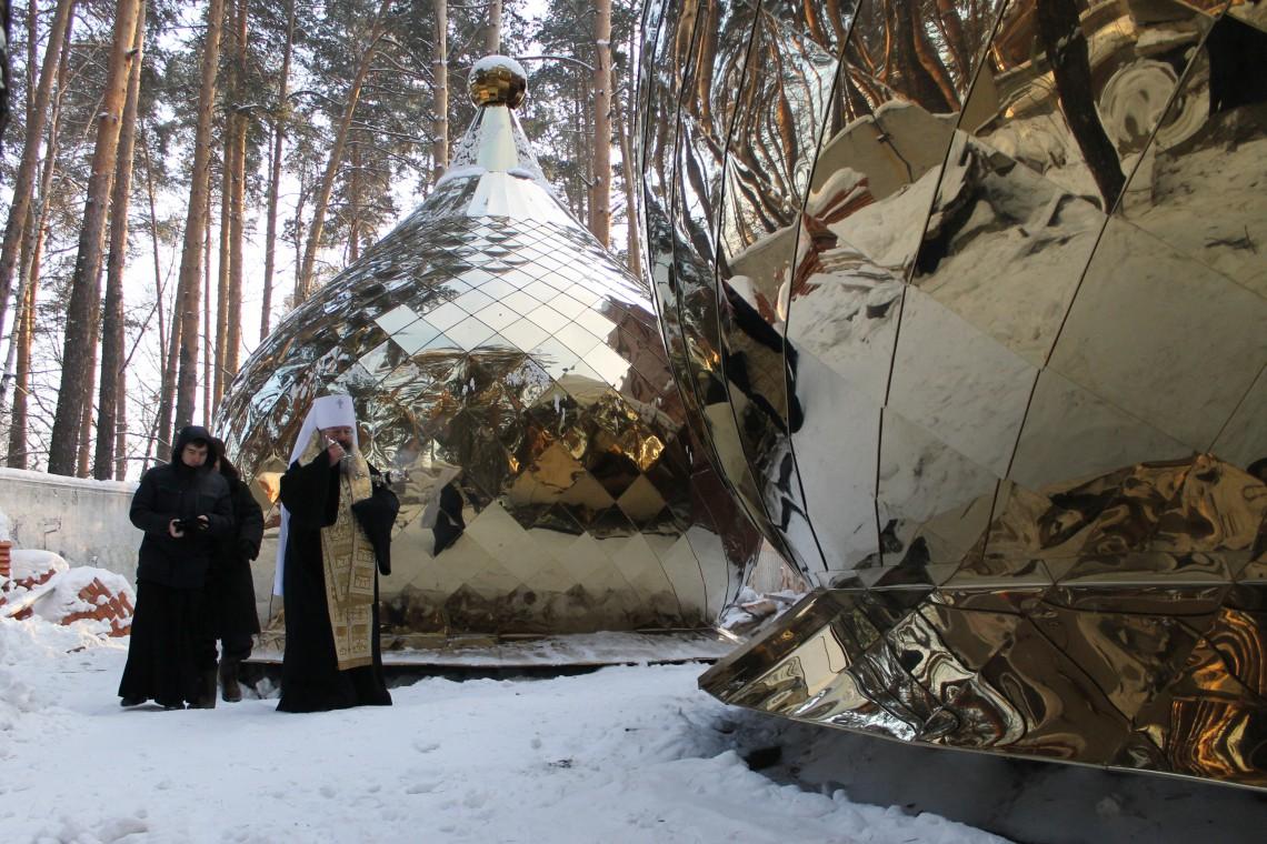 освящение куполов храма свт луки