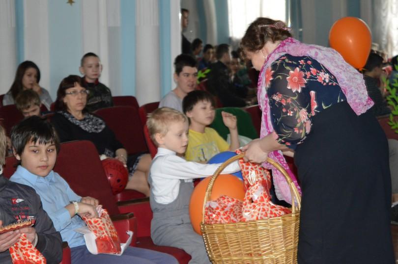 подарки в малоистокский детский дом