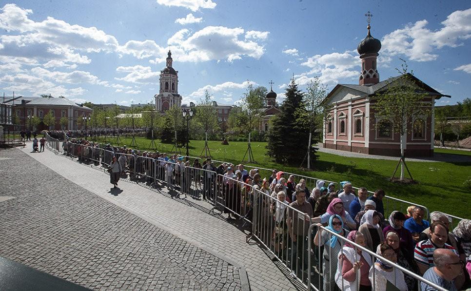 очередь в Донской монастырь