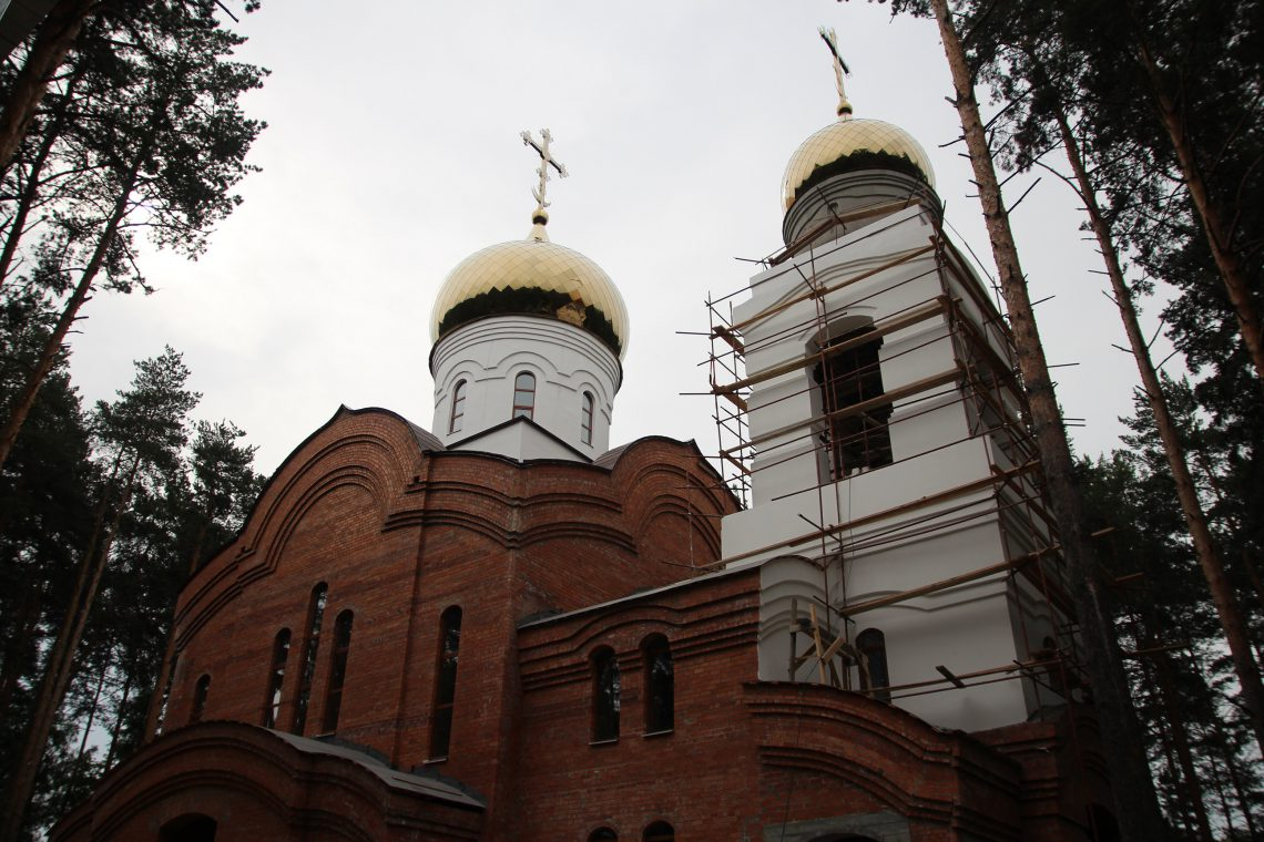 покраска колокольни храма Луки Крымского