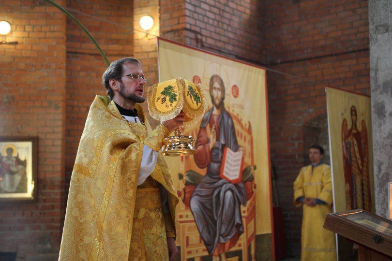 священник Дмитрий Муравьев