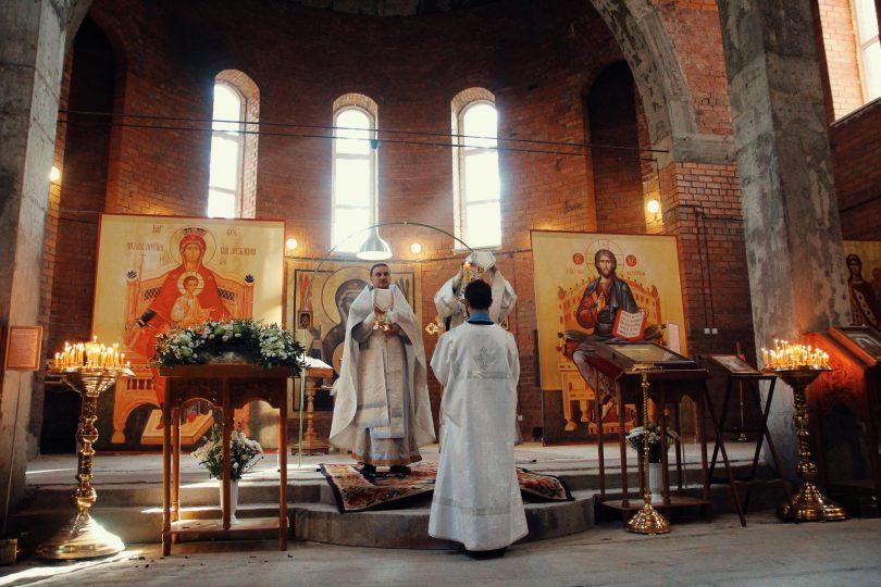 византийский распев в храме святителя Луки