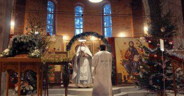 воскресная литургия в храме луки